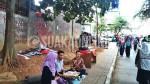 Sejumlah stand penerimaan anggota baru oleh beberapa UKM di kawasan DPR UIN SGD Bandung. (SUAKA/Ulfah Choirun N)