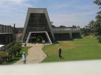 Bangunan unik ini merupakan salah satu ikon Peta Park yang berada di Jalan Peta no. 229 Bandung. Buka pada hari Selasa hingga Minggu dari jam 09.00-21.00. (Nolis Solihah/SUAKA)