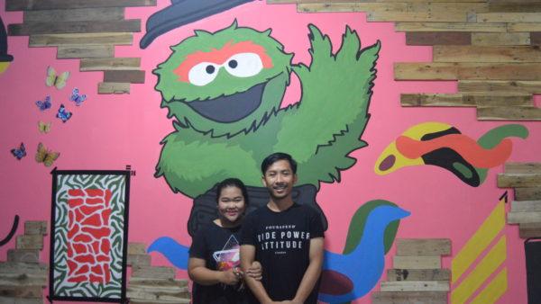(Dari kanan) Achmad Saepudin Pamungkas dan Nita Apriliani Suwanto pemilik The Eating Sugar (7/1/2016).