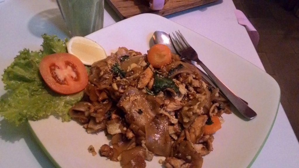Kwetiaw Thailand Style, salah satu menu di Talad Thailand Cafe. Fitriani UD/Suaka