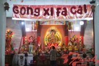 Seorang jemaat bersembahyang dalam perayaan Hari Raya Imlek 2570 di Vihara Tanda Bakti, Jl. Vihara No. 3, Kota Bandung, Senin (4/2/2019). Fadhillah Rama / Suaka